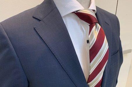 【スーツの基本Vゾーンコーデ】SUITS&SUITSイオン近江八幡店